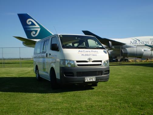 animal delivery van at air nz auckland airport